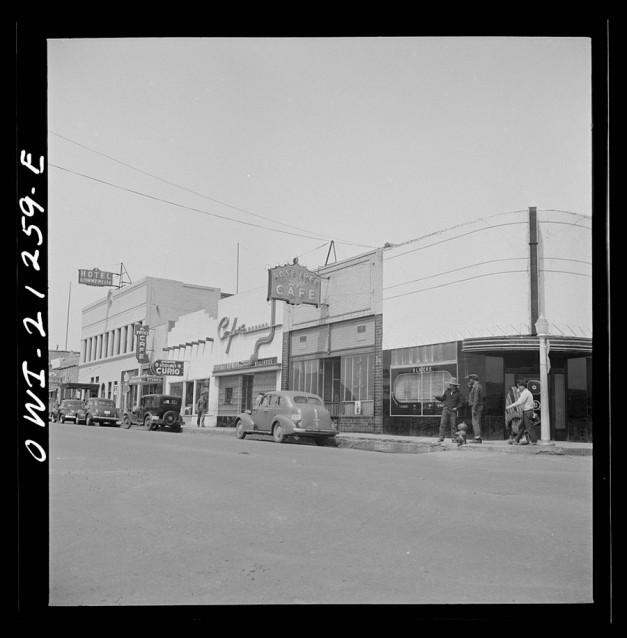 March 1943 © photogrammar.yale.edu