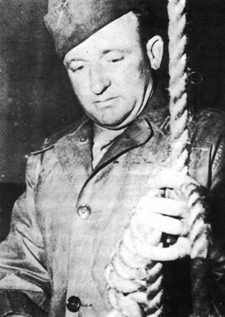 Public Domain Master-Sergeant Woods readies the Gallows at Nuremberg in 1946