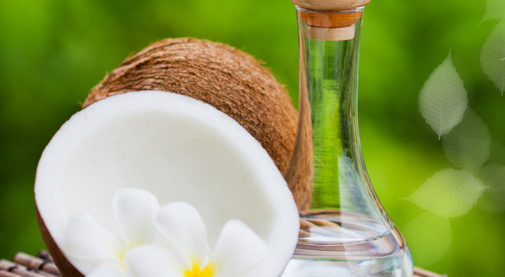 Scientists Discover Coconut Oil Exterminates 93 Percent Of Colon Cancer Cells In Two Days Coco1-728x4001
