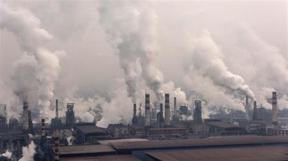 A new research study says conditions caused by air pollution killed 1.6 million people in China and 1.4 million people in India in 2013. (File photo)