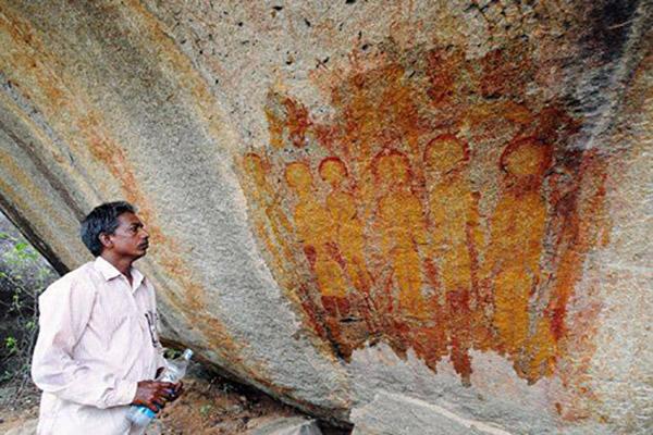 india-cave-ufo3