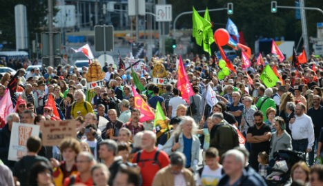 Hundreds of thousands join German trade deal protest De615a4bdd9f5552139ec75aa6398c7297eec226920f22bf8f09659dc5107631