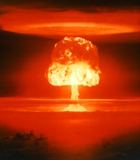 atomic-mushroom-cloud-associated-with-world-war-3-290x331