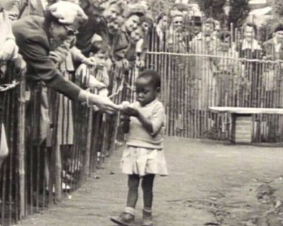 Human zoos existed 16 Depressing Photos That Will Destroy Your Faith In Humanity - This African girl was exhibited in a human zoo in Brussels, Belgium, in 1958.