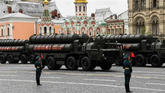 Russian S-400 Triumph medium- and long-range surface-to-air missile systems ride through Red Square during the Victory Day military parade in Moscow on May 9, 2017. (Photos by AFP)