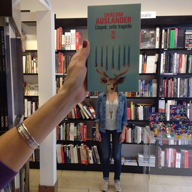 40 Hilarious Pictures That Show What Bookstore Employees Do When They're Bored