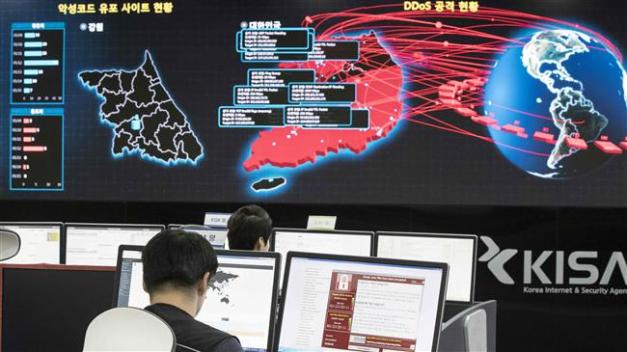 An AFP photo taken on May 15, 2017 shows staff monitoring the spread of ransomware cyber-attacks at the Korea Internet and Security Agency (KISA) in Seoul. (Photos by AFP)