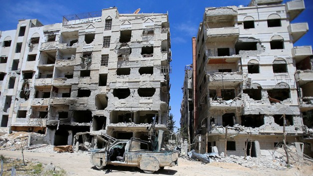 'Oxygen starvation, not gas': Veteran UK reporter Fisk doubts MSM narrative on Douma 'chem attack'