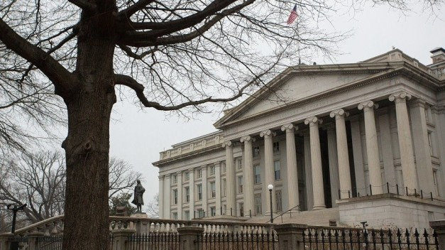 Russia dumps half of its US Treasury bonds