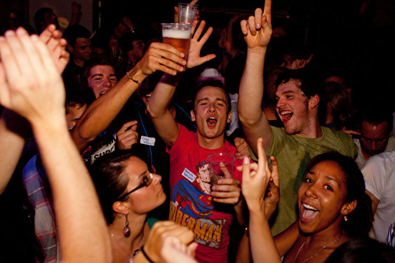 Students take drink and drugs to cope with increasing debt worries