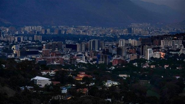 PressTV-Huge power outage leaves Venezuelans in dark