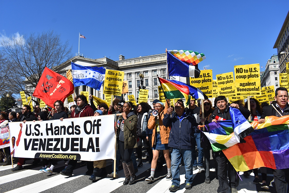 """""""Hands Off Venezuela"""" march held in Washington DC on March 16. (Sofia D. / Liberation)"""