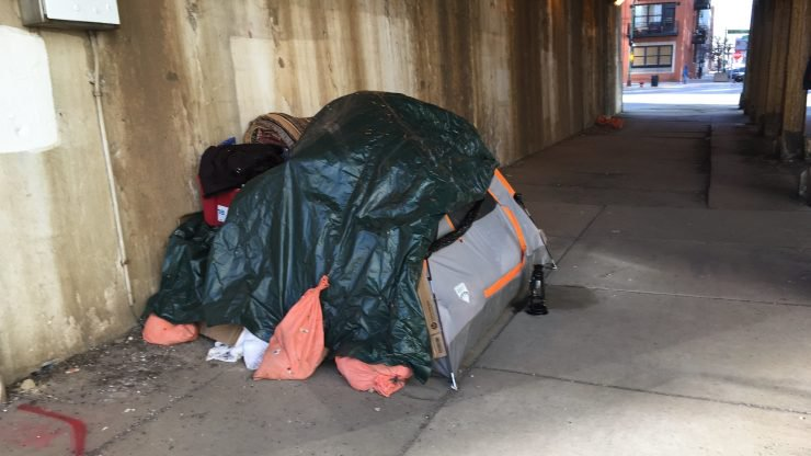 13,400 OF CHICAGO'S HOMELESS HAD JOBS IN 2017, 18,000 HAD A COLLEGE EDUCATION 26129093322_b1aad87527_k-740x416